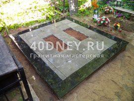 Облицовка бетонного цоколя гранитной плиткой и укладка тротуарной плитки