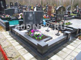 Отмостка на кладбище вокруг памятника